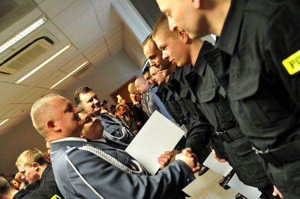 od nowego roku w policyjnym mundurze, zdjęcie 21/30