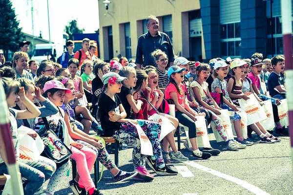 policja uczy dzieci jak bezpiecznie wypoczywac , zdjęcie 13/30