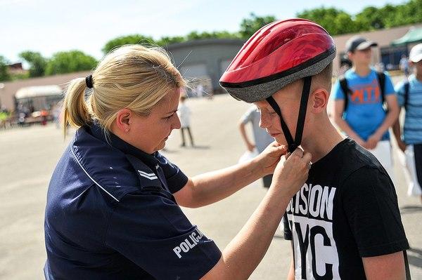 policja uczy dzieci jak bezpiecznie wypoczywac , zdjęcie 22/30