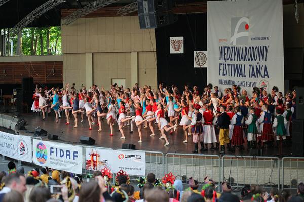na folk festiwal zjechali z trzech kontynentow , zdjęcie 2/11