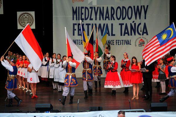 na folk festiwal zjechali z trzech kontynentow , zdjęcie 5/11