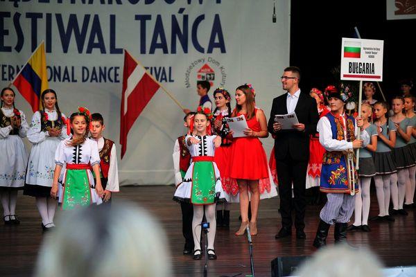 na folk festiwal zjechali z trzech kontynentow , zdjęcie 6/11