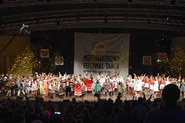 festiwal folk przystan wkroczyl w kolejne cwier, zdjęcie 1/4