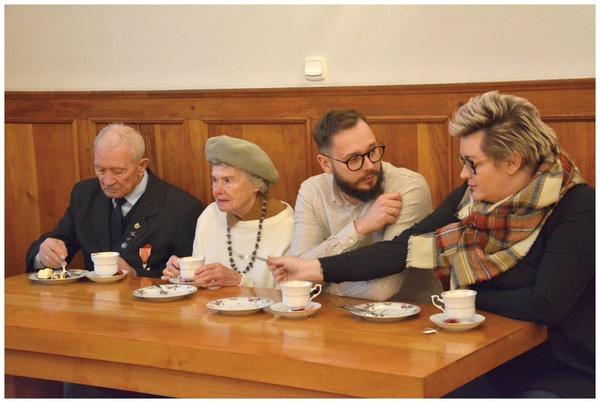 zatrzymac sie nad historia czlowieka , zdjęcie 10/18