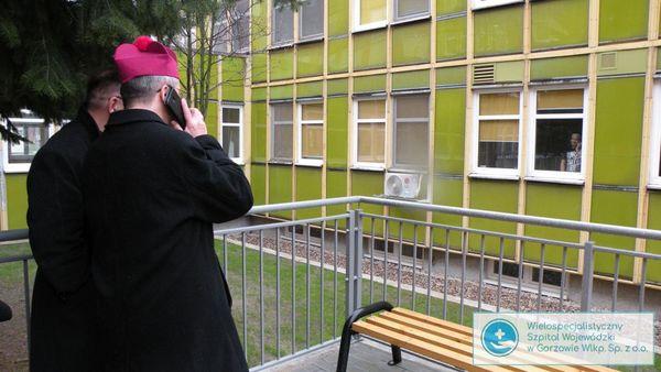 biskup litynski odwiedzil chorych, zdjęcie 14/14