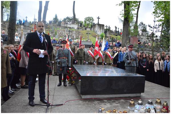 trzeci maja przy pomniku marszalka, zdjęcie 5/23