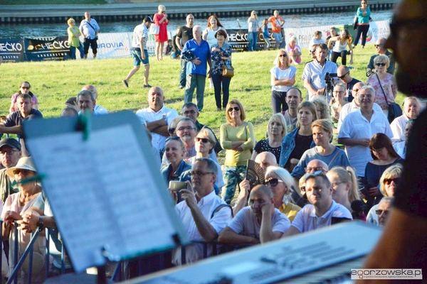 wschodnia strona regionu i filary jazz big band, zdjęcie 25/46