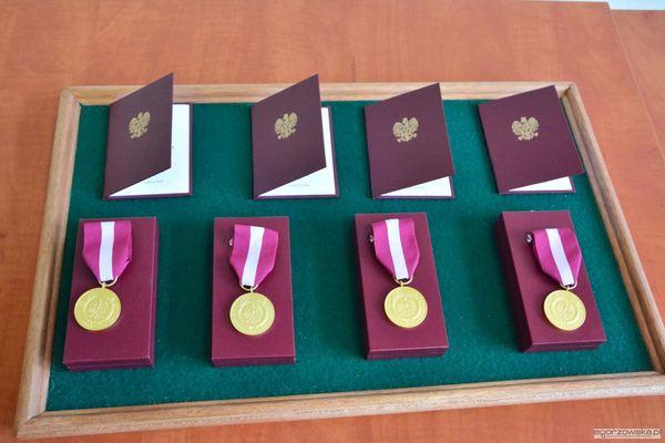uroczysta sesja z medalami i odznakami, zdjęcie 2/59