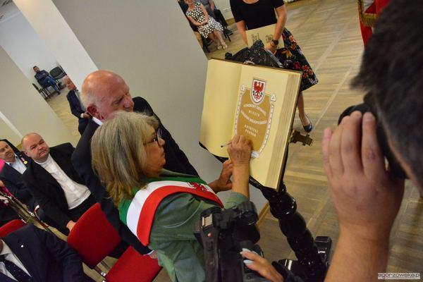 uroczysta sesja z medalami i odznakami, zdjęcie 31/59