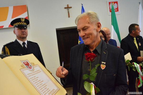 uroczysta sesja z medalami i odznakami, zdjęcie 47/59